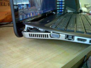 sửa laptop hư bản lề tại nha trang